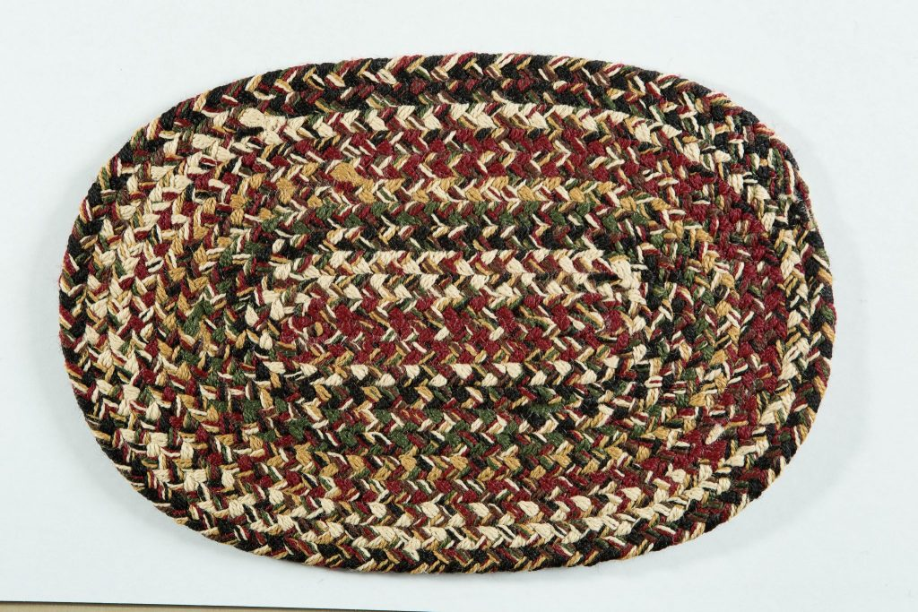 Country Cottage Collection Round